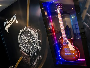 The Icons Bar by Raymond Weil - Picture 1